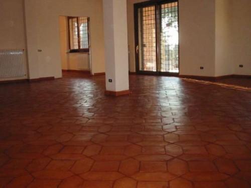 Pulizia e trattamento pavimento cotto roma for Piastrelle per interno piscina