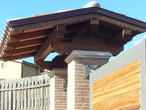 Tettoia sopra cancello san cesareo - Cancelletto in legno per esterno ...