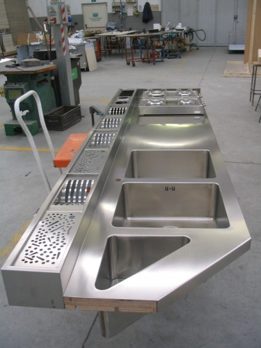 Lavorazione acciaio inox su misura : (morbegno)