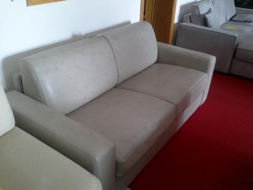 Divano letto in offerta -50% ecopelle lucida grigio : (Misano ...