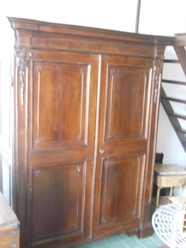 Restauro mobili giare albenga - Restauro mobili impiallacciati ...