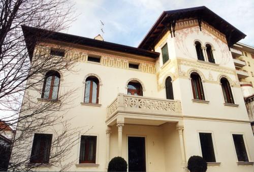 Restauro decorazioni esterne villa susegana for Decorazioni per facciate esterne