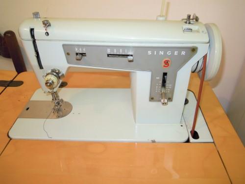 Macchine da cucire antiche con mobile in legno palermo - Mobili per macchine da cucire ...