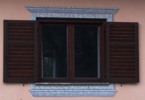 Decori finestre e porte in finto marmo pergine valsugana for Mobili cavalli pergine valsugana