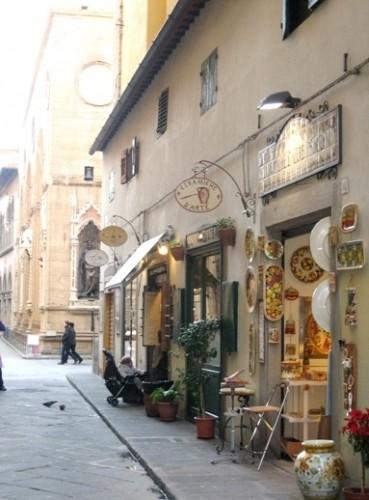 Negozi di ceramica artistica in Firenze : (Campi Bisenzio)