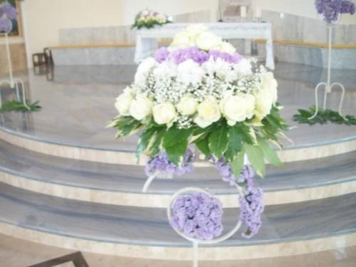 Matrimonio In Glicine : Addobbo floreale in chiesa glicine lilla pontecagnano faiano