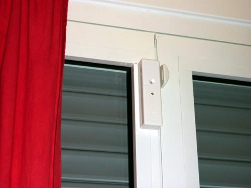 Sensore per porte e finestre bianco torino - Capottina parapioggia per porte e finestre ...