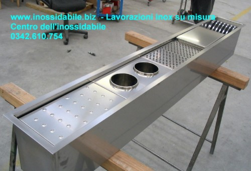 Arredamento acciaio inox morbegno for Scatolati in acciaio inox