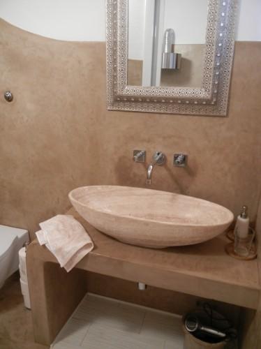 Sala da bagno terra di siena livorno for Arredo bagno livorno