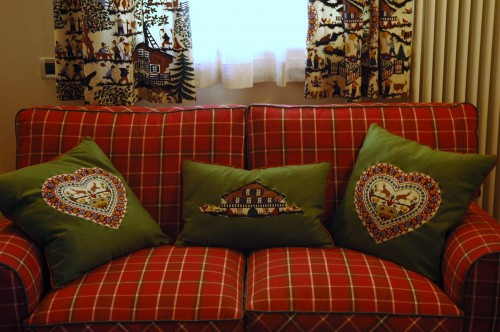 Dimore tessuti d 39 arredamento divani e tendaggi su misura for Outlet tessuti arredamento