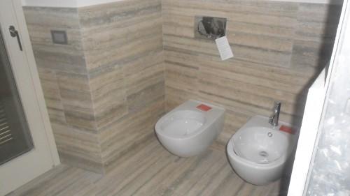 Bagno in travertino classico casazza - Bagno travertino ...