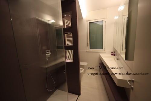 Pavimenti e rivestimenti in resina bagni faenza for Bagni rivestimenti e pavimenti