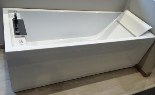 Vasca Da Bagno Novellini Calos : Novellini vasca idromassaggio calos : moncalieri