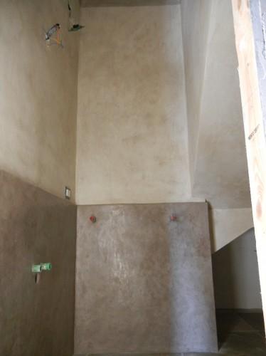 Tadelakt vano bagno nel sottoscala livorno for Bagno sottoscala