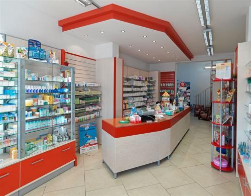 Arredamento per farmacie parafarmacia cardano al campo for Sev arredamenti
