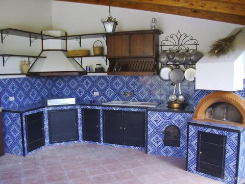 Zammito costruzioni snc valledolmo - Cucine con maioliche ...