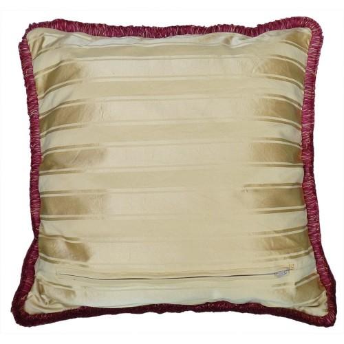 Cuscino in velluto etro bordatura fucsia santa maria for Etro arredamento