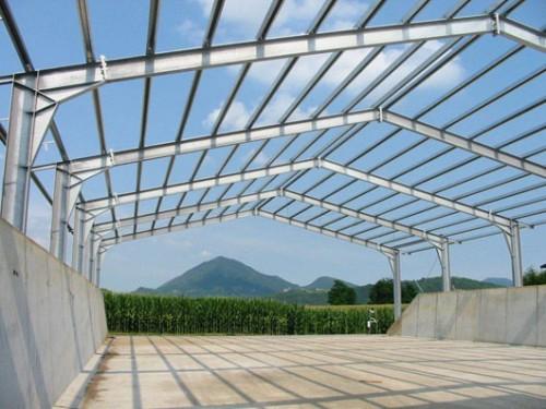 Severini strutture in ferro infissi in alluminio for Tettoia capannone con soppalco