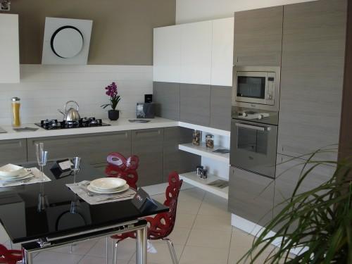 Mobili arredamento cucine olbia for Centro divani olbia