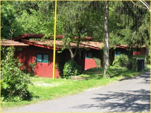 Seven hills camping village bungalow park roma - Seven hills village roma piscina ...