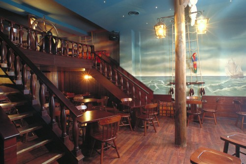 Pub il pirata castione andevenno for Bancone bar inglese