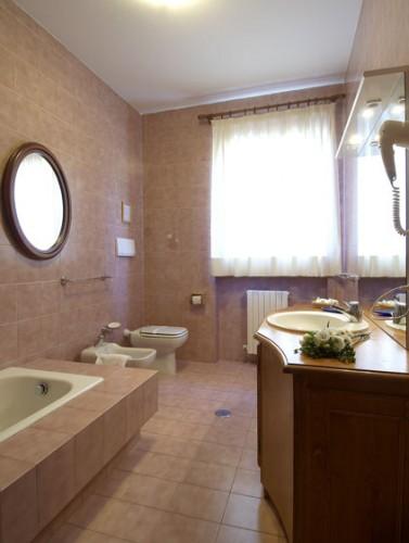 Rifacimento completo di bagno saronno - Bagno completo chiavi in mano ...