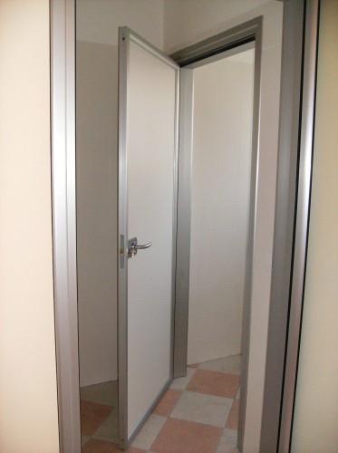 Porte interne in alluminio brugine - Porte interne alluminio e vetro ...