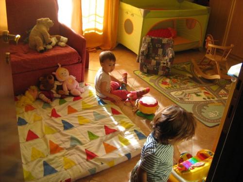 Asilo nido in famiglia la casa dei cuccioli valeggio for Asilo in casa