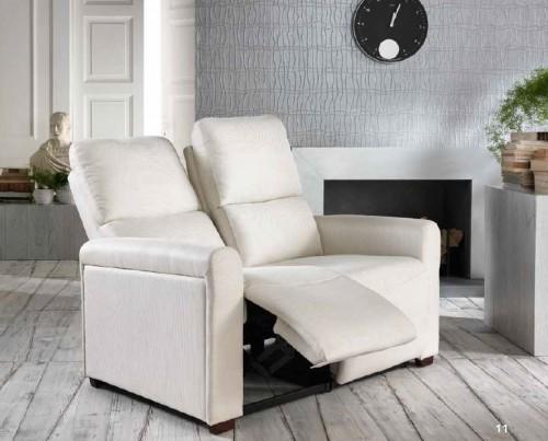 Divano 2 posti relax con meccanismo manuale arturo for Divani e divani relax