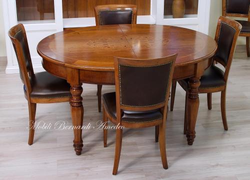 Tavolo ovale allungabile intarsiato : (Ros?)