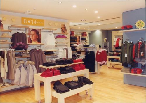 Arredi per negozi di abbigliamento palermo for Negozi di arredamento palermo