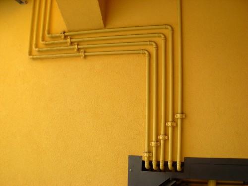 Tracciato tubazioni in rame a vista per impianto gas - Tubazioni gas metano interrate ...