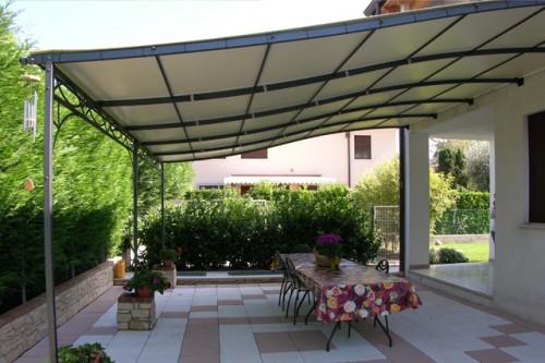 Strutture in ferro battuto roma - Prezzi verande per terrazzi ...