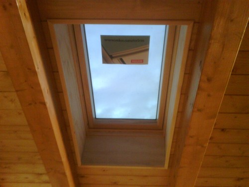 Servizio tecnico finestre per tetto originali velux for Persiane velux