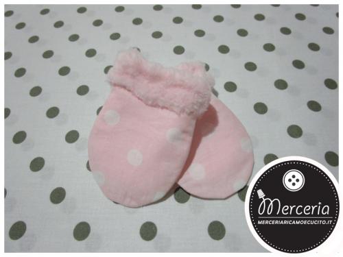 Muffole per neonato pois