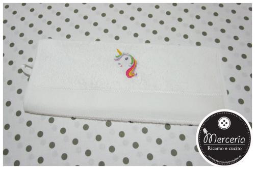 Asciugamano in spugna con unicorno