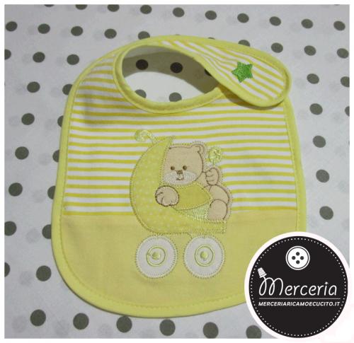 Bavetta gialla con orsetto su passeggino
