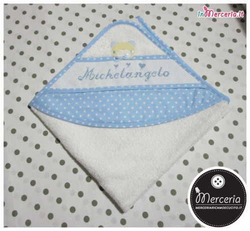 """Accappatoio neonato con orsetto e cuori per """"Michelangelo"""""""