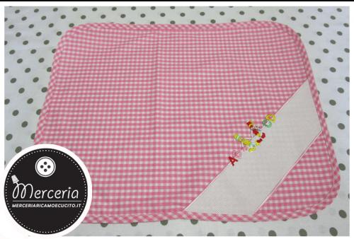 Tovaglietta quadrettata rosa per asilo