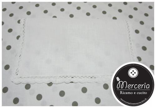 Asciugamano in lino con merletto