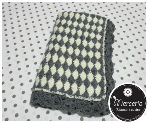Copertina in lana per neonato con rombi