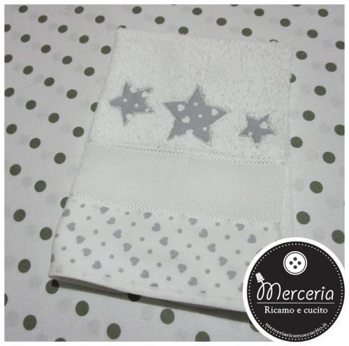 Asciugamano con cuori e stelle